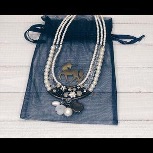 Jewelry - Niquead Necklace